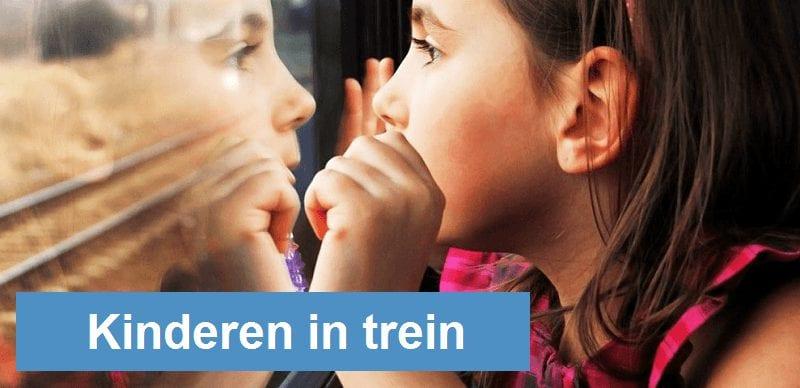 Kinderen in de trein